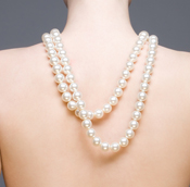 Back jewelry pearls