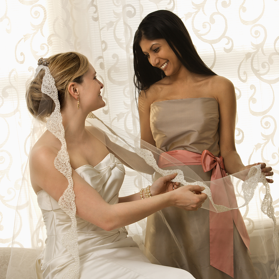 Seven Tips For Choosing a Maid of Honor 1